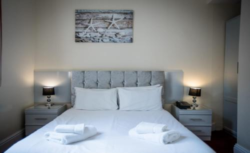 Delmont Hotel - Photo 3 of 92