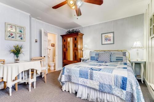 Piety Hill Cottages - Accommodation - Nevada City