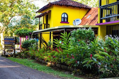 . Hostel La Vieja Panaderia & Restaurant