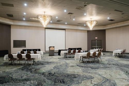 Ambassador Conference Resort - Hotel - Kingston