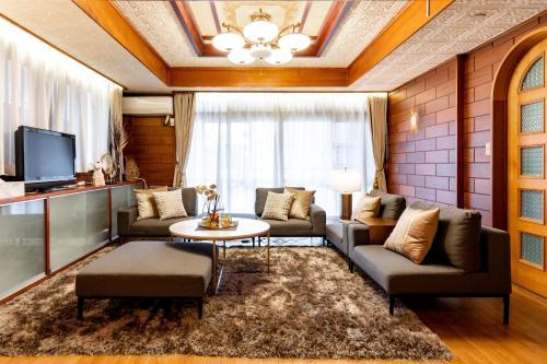 . Type A Room 120平米 -ウル エスポワール那覇-