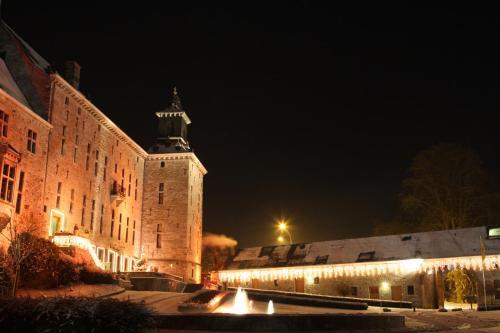 . Chateau De Harzé