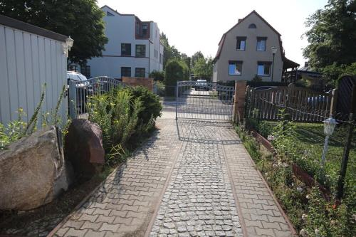 Lovely Hohen Neuendorf - Photo 5 of 22