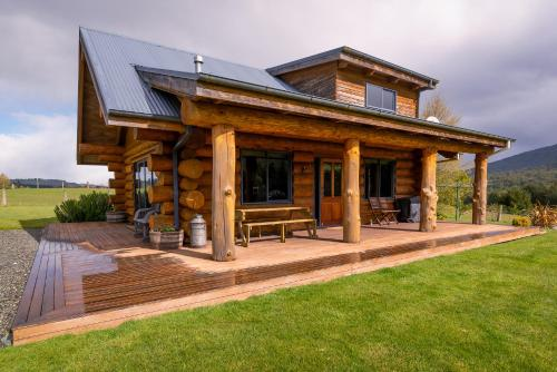 Sully's Retreat - Accommodation - Te Anau