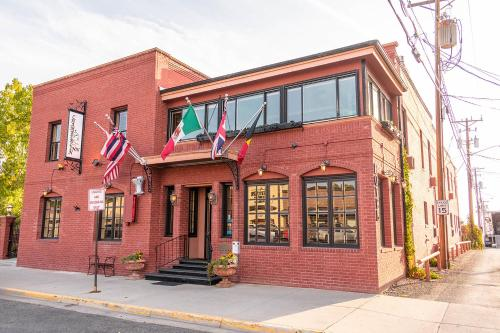 . Chamberlin Inn