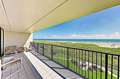 . New Listing! Beachfront Beauty with Gulf Views condo