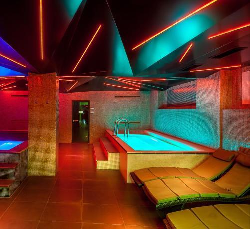 . Plaza V Executive Hotel