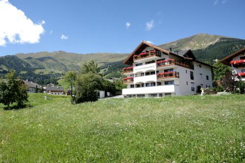 Apart-Hotel Alpinsonnenresidenz Fiss