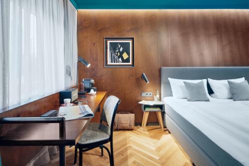 . art Hotel Tucholsky