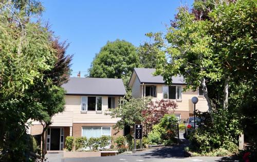 March Apartments - Accommodation - Dunedin