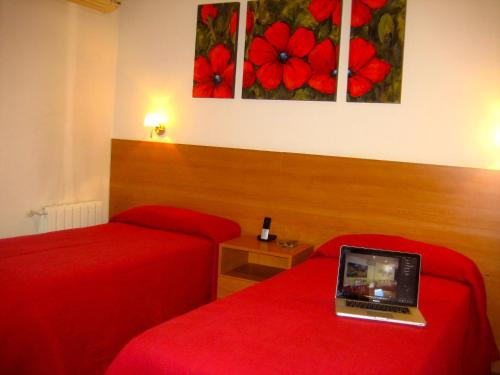Hostal Madrazo photo 12