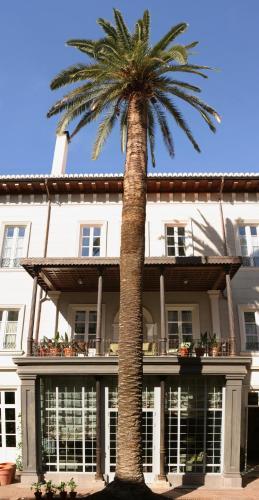 Calle San Antón 28, 18005, Granada, Spain.