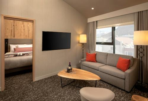 Summit One Bedroom Suite, 1 King bed