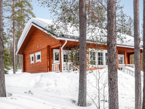 Holiday Home Mikaelin maja - Hotel - Luosto
