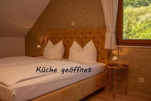 . Hotel-Restaurant Laux