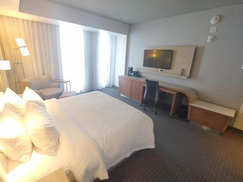 Courtyard By Marriott Quebec City - Photo 7 of 42