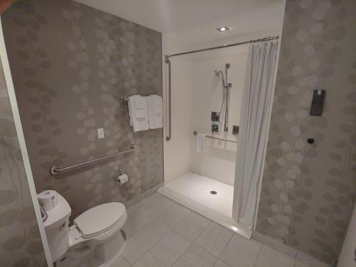 Courtyard By Marriott Quebec City - Photo 6 of 42