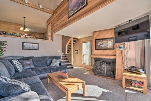 Charming Angel Fire Condo with Ski Slope Access - Apartment - Angel Fire