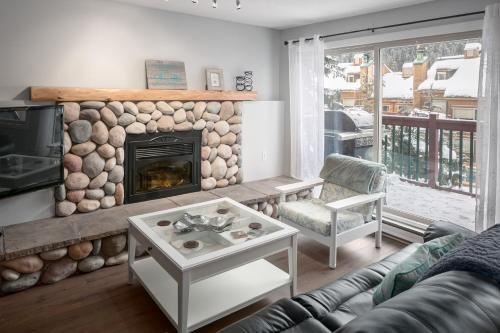Panorama Mountain Resort - Horsethief Lodge with Fairmont Creek - Apartment - Panorama