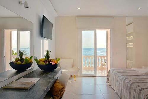 Double or Twin Room with Sea View - single occupancy Vistabella 48
