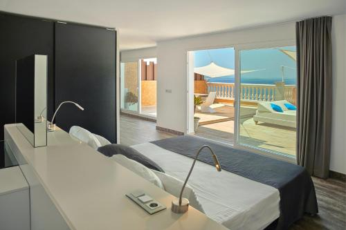 Penthouse Suite - single occupancy Vistabella 59