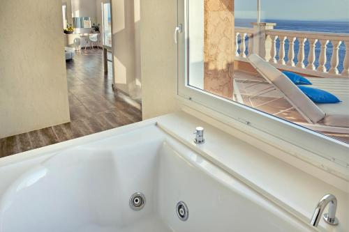 Penthouse Suite - single occupancy Vistabella 54