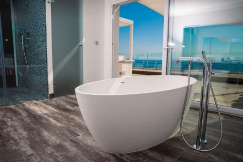 Penthouse Suite - single occupancy Vistabella 57