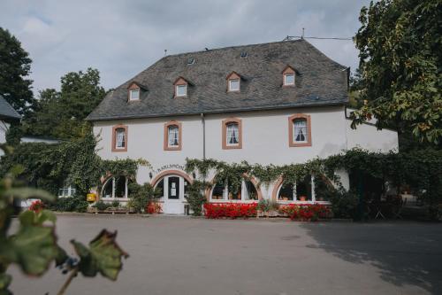 . Hotel und Weingut Karlsmühle