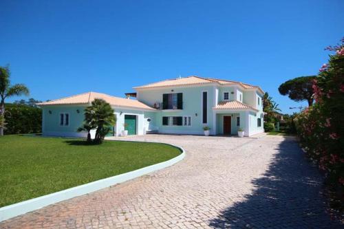 Almancil Villa Sleeps 10 Pool Air Con Wifi T607903