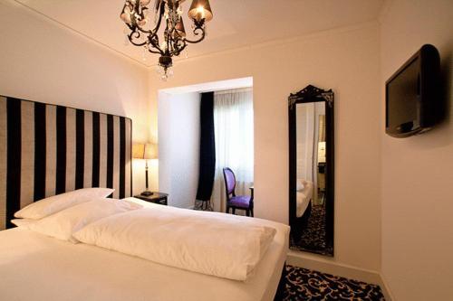 Hotel Aleksandra photo 8