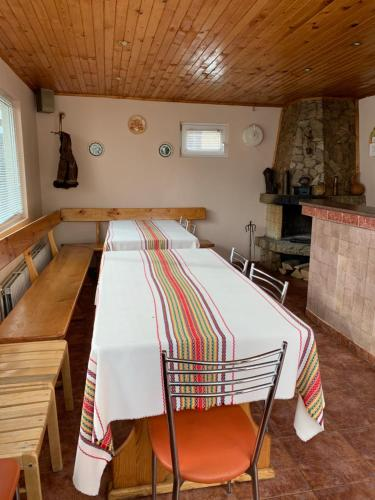 Sunny House Madjare Guest House - Photo 8 of 13