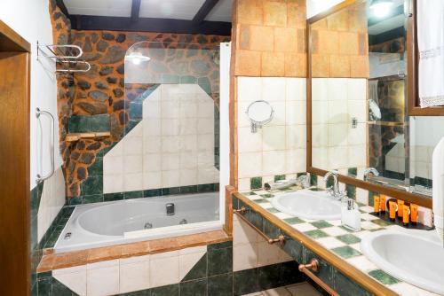 Rustic Double Room Hotel Spa La Casa del Rector 4