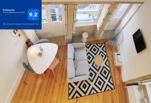 HM - Bonjardim Duplex Charming Apartment, Pension in Porto