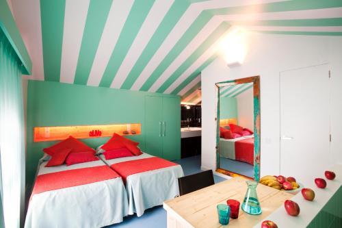 Amistat Beach Hostel Barcelona photo 22