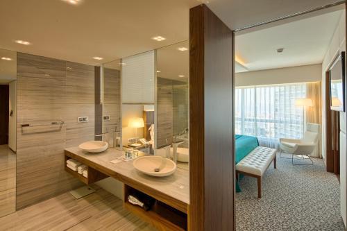 EPIC SANA Lisboa Hotel - image 8