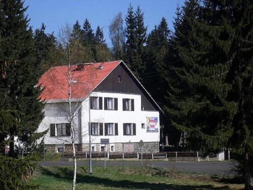 Accommodation in Pernink