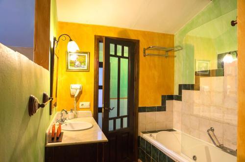 Basic Double Room Hotel Spa La Casa del Rector 2