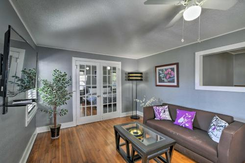 'The George Manor' Apt 1 Mi to Poretto Beach - Apartment - Galveston