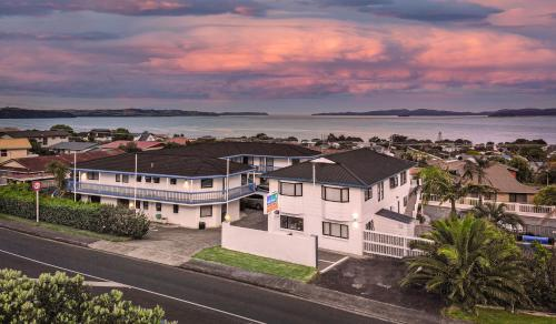 Accommodation in Snells Beach