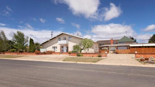 Sierra Villa Lodge - Accommodation - Berridale