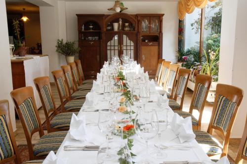 Hotel Neumayr photo 9