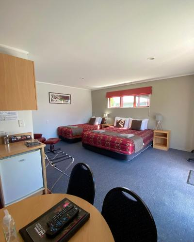 . Adventure Lodge and Motels and Tongariro Crossing Track Transport