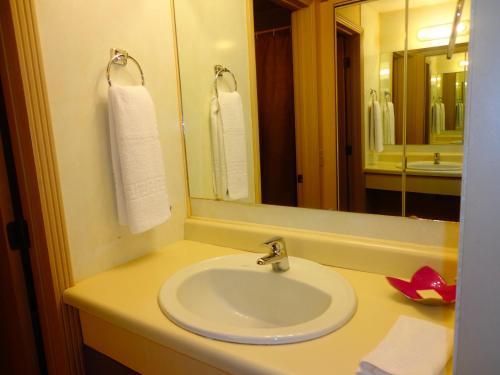 Hotel de La Tour room photos