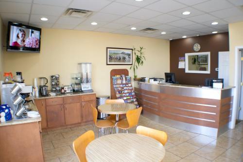 Bluegrass Inn - Frankfort, KY 40601