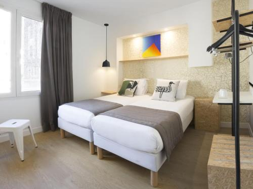 Hotel Izzy by HappyCulture - Hôtel - Issy-les-Moulineaux