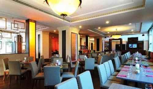 Karnmanee Palace Hotel photo 14