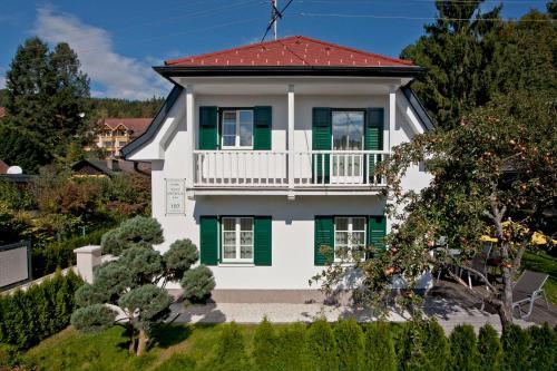 Ferienhaus Kleine Gartenvilla, Pension in Pörtschach am Wörthersee