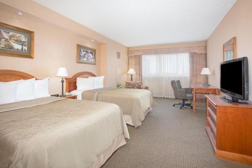 . Hotel Topeka at City Center