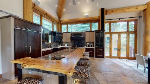 Six-Bedroom Luxury Platinum Residence