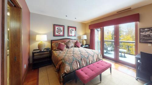 Eight-Bedroom Luxury Platinum Condominium
